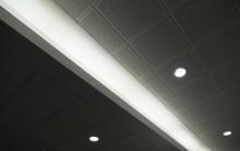 https://www.am-rochereuil.fr/sites/am-rochereuil.fr/files/styles/medium/public/quel_type_de_plafond_pour_des_bureaux.jpeg?itok=e3xEHBjQ